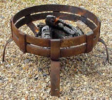 iron fire pit round low stand